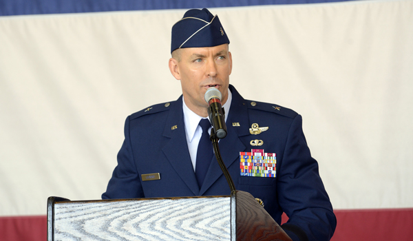 Commander steers luke air force base as an economic engine for Commander rose